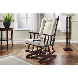 Imagem ambientada da poltrona de balanço soneca, acabamento em madeira tauari e tecido linho branco.
