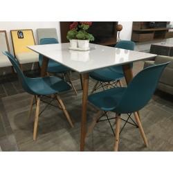 Conjunto Mesa de Jantar 1,20m - 4452 + 4 Cadeiras - EIFFEL PP