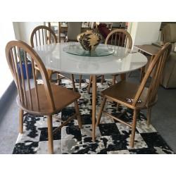 Conjunto Mesa Redonda de Jantar 1,35m - 4450 com 4 Cadeiras - HANNOVER