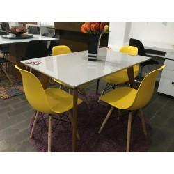 Conjunto Mesa de Jantar 1,20m - 4452 + 4 Cadeiras Amarelo - EIFFEL PP