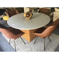 Conjunto Mesa Redonda de Jantar 1,35m - AQUILA com 4 Cadeiras - CONHAQUE