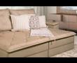 Foto do detalhe da lateral do sofá modulado retrátil, Yasmin