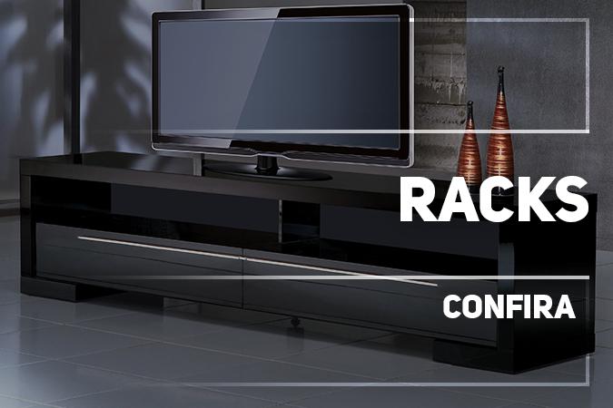 Na Deguile, você encontra diversos modelos de Racks e Racks Extensíveis em madeira Maciça ou Laca Vitro. Temos opções diversificada de tamanhos, cores e funcionalidade.